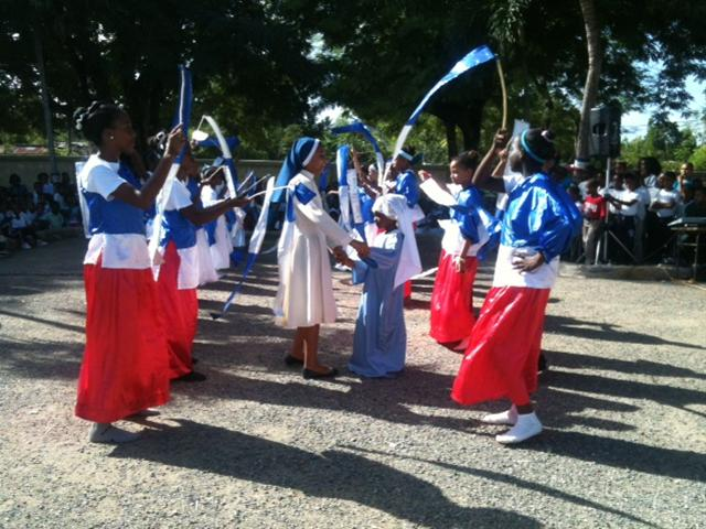 Escuela Antonio Paredes Mena Realiza Celebración