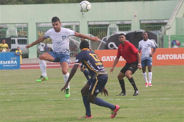 Universidad O&M Supera 3-2 Al Atlético Pantoja En Futbol