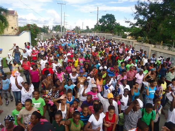 Evangelicos De Consuelo Marchan Por Dia De La Biblia