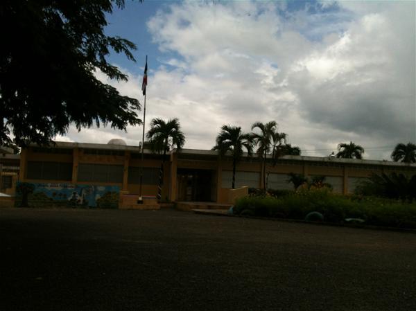 Desconocidos Roban Cables Eléctricos En Escuela Paredes Mena