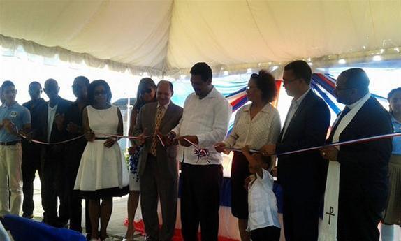 Inauguran Liceo Astin Jacobo En El Barrio Santa Ana