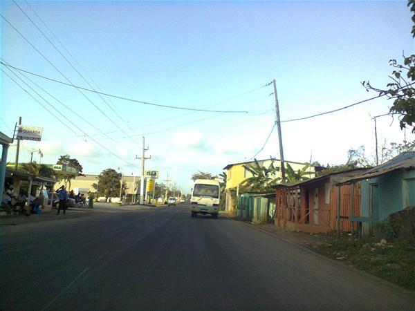 Alto Voltaje Afecta Barrio La Carretera
