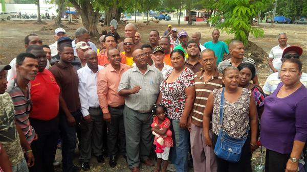Juntas De Vecinos Y Comunitarios Realizan Asamblea Por Construcción Parque Central