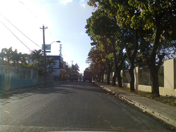 Denuncian Asaltos En Calle Joaquín Balaguer De Consuelo