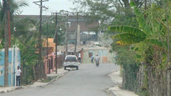 Desconocidos Roban Alambres En El Barrio Puerto Rico