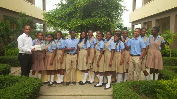Liceo Juan Pablo Duarte Reconoce Meritorios