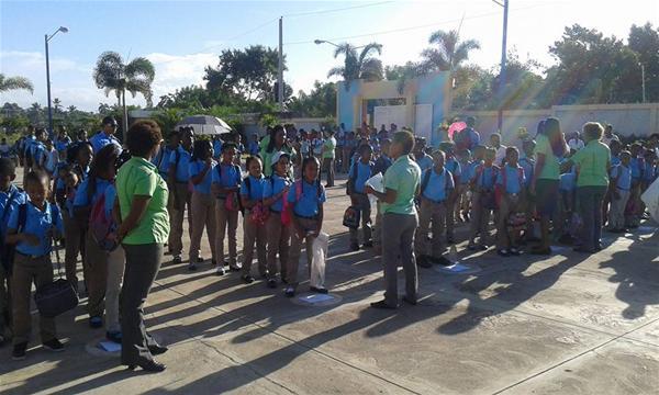 Centros Educativos Inician Año Escolar En Consuelo