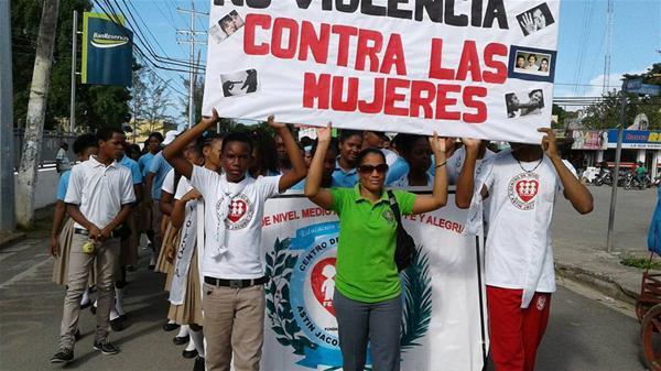 Centro Educativo Astin Jacobo Realiza Caminata Por La No Violencia Contra La Mujer