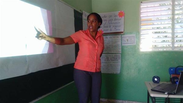 Centro Educativo Santa Consoró Imparte Charla Sobre El Cáncer De Mama