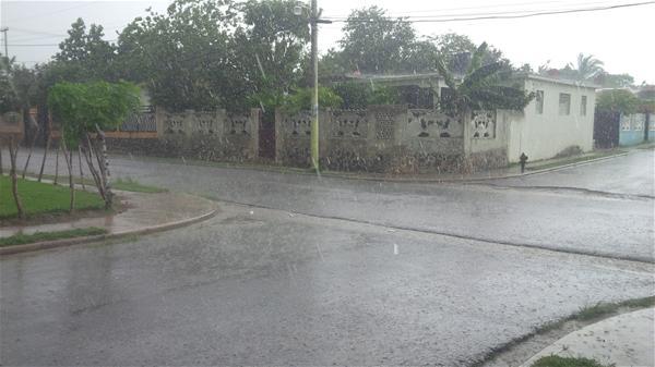 Vaguada Producirá Chubascos Dispersos Y Tronadas