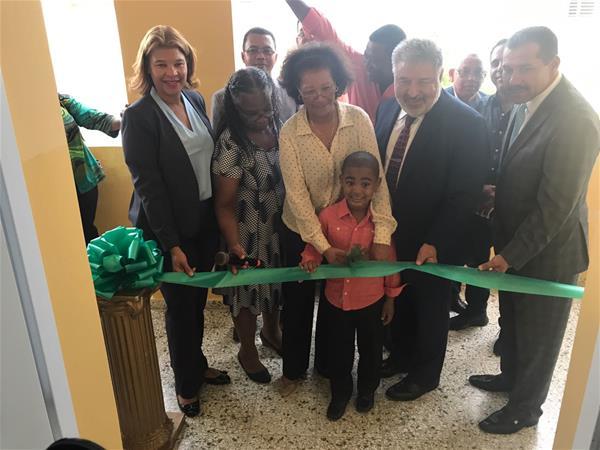 Inauguran Centro Odontológico En Liceo Astin Jacobo