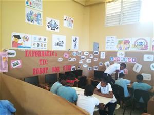 Escuela Sor Leonor Gibb Realiza Feria Del Libro