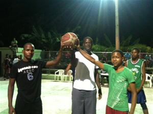 Inauguran Torneo De Baloncesto Sub 17 En El Barrio La Loma