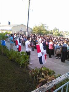 Escuela Sor Leonor Realiza Izamiento De Bandera