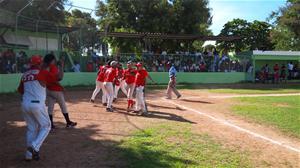Celebran Copa De Softball Consuelo Con 4 Equipos