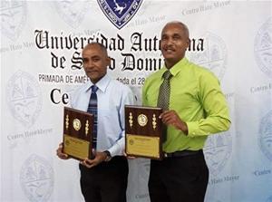 Centro Universitario Reconoce A Dos Profesores Consuelenses
