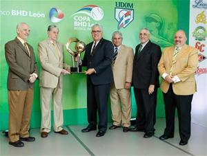 Lidom Recibe Trofeo Que Se Disputa En El Torneo De Béisbol
