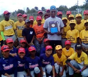 Reconocen A Makey Contreras Por Sus Aportes A Jóvenes En Consuelo