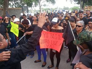 Realizan Marcha Negra En Protesta Por Apagones En Consuelo