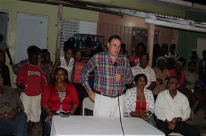 Senador Josecito Hazim Inaugura Proyecto De Electrificación Del Batey Experimental