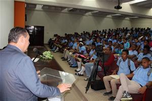 Senador Josecito Hazim Dicta Conferencia ¨Proyecto De Vida
